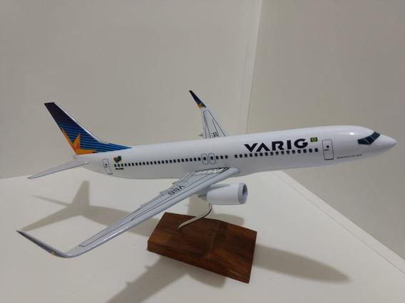 Maquete De Avião Em Resina Boeing 737-800 Varig (40 Cm)