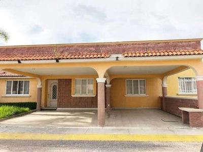 Casa Sola En Renta Fracc La Hacienda