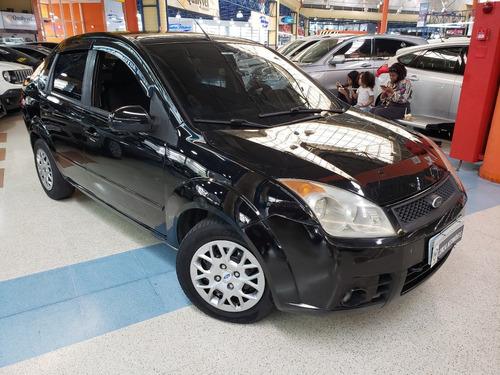 Imagem 1 de 8 de Ford Fiesta Sedan 1.0 Flex 4p