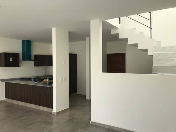 Casa En Renta Avenida Adamar, San Agustin
