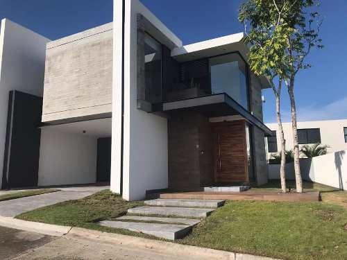 Renta De Casa Nueva En Fraccionamiento Punta Tiburon