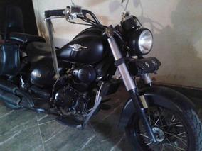 Um Renegade Black Edition 2015 220cc / 760