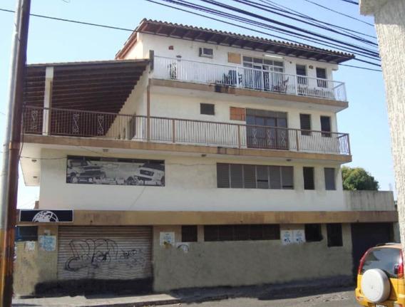 Eliamar Pérez Vende Excelente Edificio En Acarigua 20-803