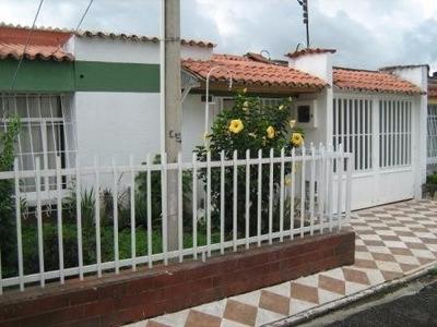 Vendo Permuto Casa Un Nivel Amplia Y Comoda Nuevo Balmoral