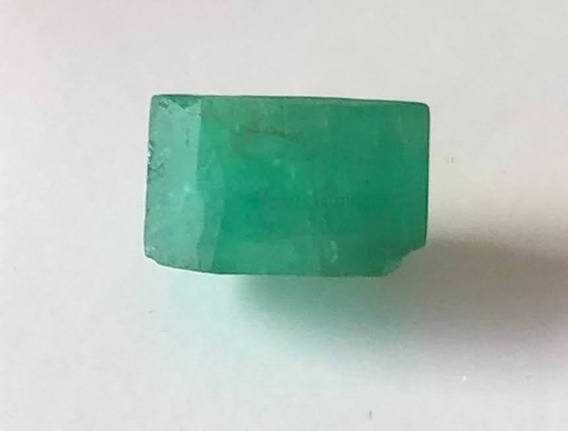 Esmeralda 5 075 Cts 11x17 Formada Retangular Natural