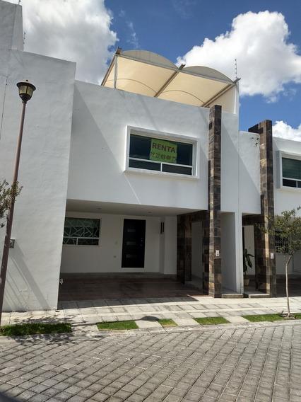 Renta Casa Con Roof Garden Cerca Cruz Del Sur Puebla