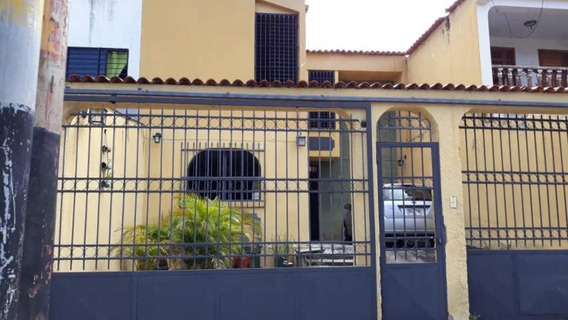 Casa En Venta La Esmeralda San Diego Carabobo 19-15695 Vjm