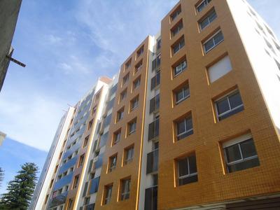 Apartamento 2 Dorm, 2 Baños Y Garaje En Pleno Pocitos