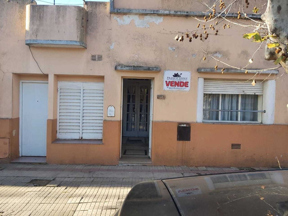 Casa A 100 Mts De La Plaza Principal De Saladillo.