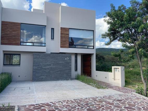 Casa En Renta En Altozano, Queretaro, Rah-mx-20-1124