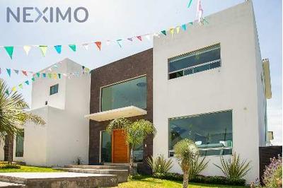 Casa Sola En Venta En Vista Real, Querétaro
