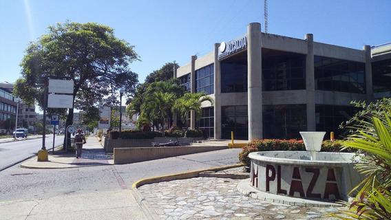Local En Forum Plaza