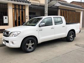 Toyota Hilux Doble Cabina 4x2 Año 2011