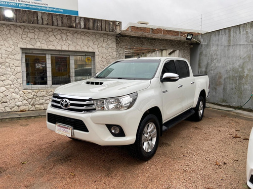Toyota Hilux 4x4 - Divina! Permuto Financio