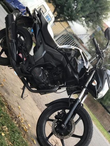 Honda Cb 150 Invicta