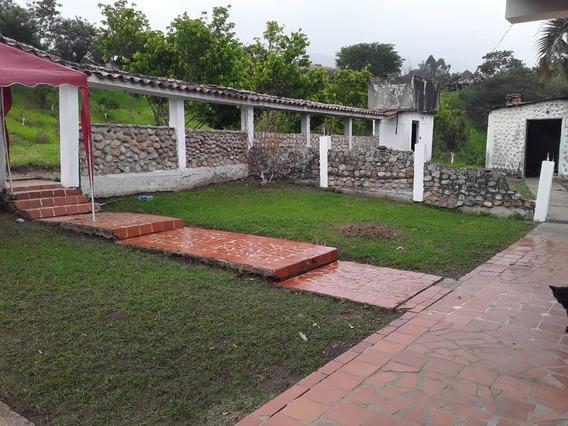 Casa De Campo A 15 Minutos De La Ciudad, Sector Tucape