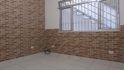 Alugar Casa Com Garagem + 1 Quarto + Sala, Com Proprietário