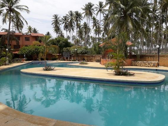 Felix Guzman 0424-4577264 Vende Apartamento En Tucacas