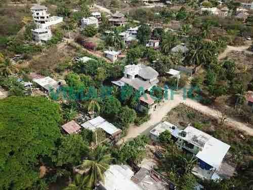 Lote Con Construcción En Colonia Brisas De Zicatela Puerto Escondido