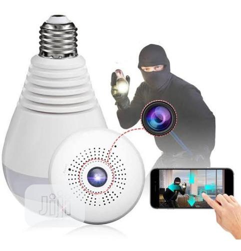 Imagen 1 de 4 de Lampara Led Espía Cámara Hd 360°sensor De Movimientos Alarma