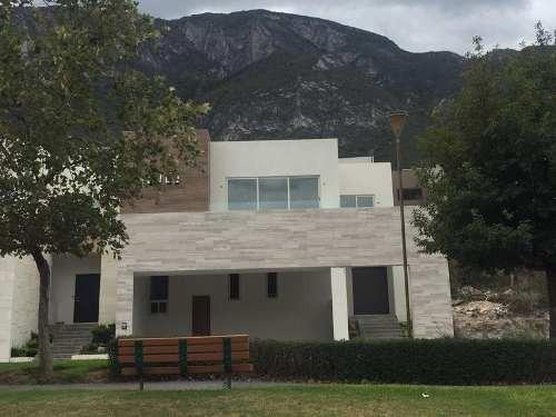 Casa En Venta En Valle Poniente Fraccionamiento Cantizal Ii
