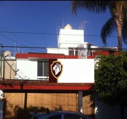 Excelente Oportunidad, Casa En Chapalita