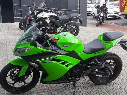 Kawasaki Ninja 300 Impecavel