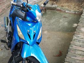 Se Vende Moto Akt Modelo 2012, Soat Vigente,unica Dueña.