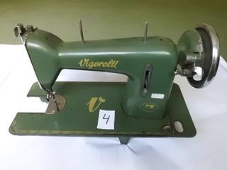 Máquina De Costura Antiga Vigorelli