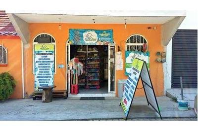 Local Comercial En Renta Frente Al Parque De Los Laureles.