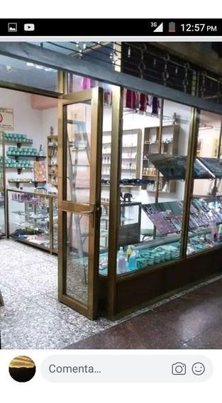 Se Traspasa Local En Centro Comercial Paseo Mirandino