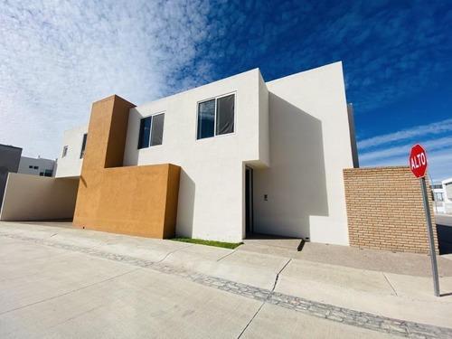 Casa Sola En Renta Condominio Loretta Residencial