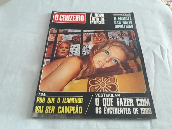 O Cruzeiro 30/01/69 Nara Leão/martinha/cassação De Politicos