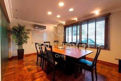 Magnifica Casa Para Uso Profesional Comercial, Providencia