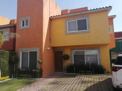 Casa En Venta En Fracc. Residencial La Loma, San José Buenavista