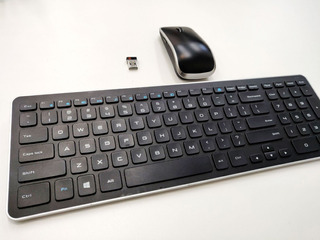 Teclado Inalámbrico + Mouse Dell Excelente Estado