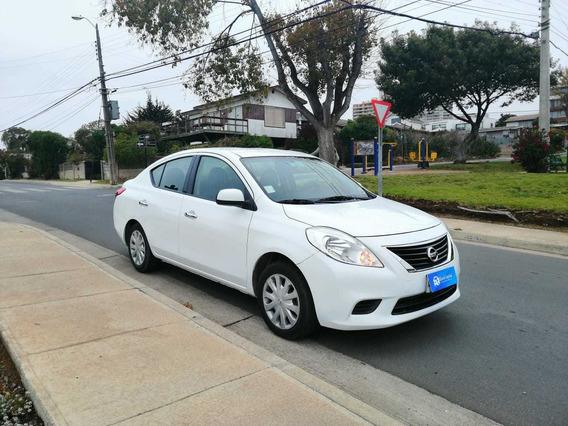 Nissan Versa Sence 1.6 2014