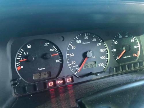 Volkswagen Santana 2001 2.0 4p