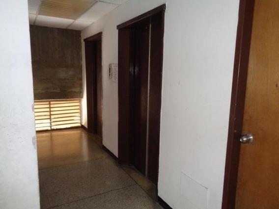 Oficina En Alquiler Zona Centro De Barqto 20-20242 Mmm