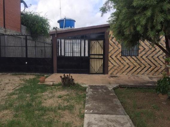 Casa En Venta Barquisimeto 19-12298