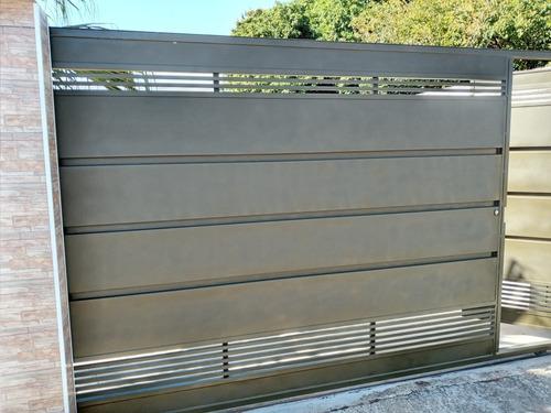 Imagem 1 de 5 de Portao Galvanizado Com Fechadura Eletronica