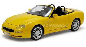 Maserati Spyder Black 1:18 Maisto 31667-amarelo