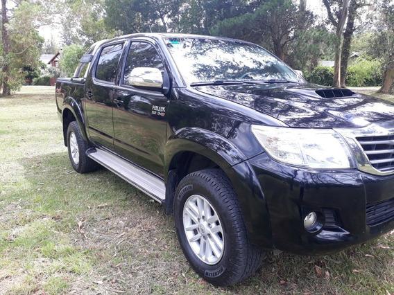 Toyota Hilux 3.0 Cd Srv Cuero 171cv 4x4 - E4 2015