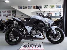 Kawasaki Z800 Blanca 2015