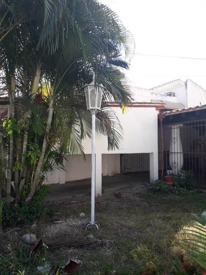 Urb Andres Bello Casa En Venta 04144530004