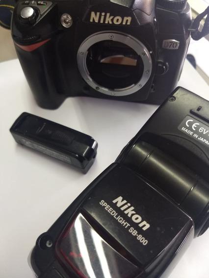 Câmera Nikon D70 + Flash Sb800