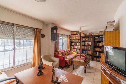 Imagen 1 de 14 de Apartamento En El Centro De 4 Dormitorios 2 Baños