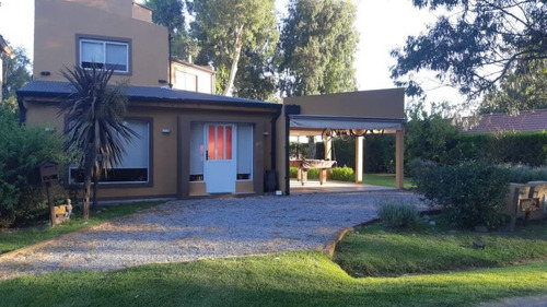 Country Golf Club  Casa En Venta Chascomus