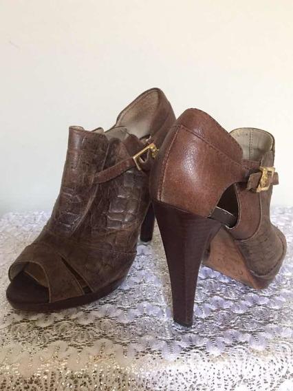 Sandália Ankle Boot Croco Marrom Capodarte