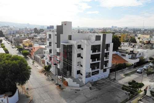 Torre De Departamentos Jb290. Colonia Jardín. San Luis Potosí $3,998,475.40